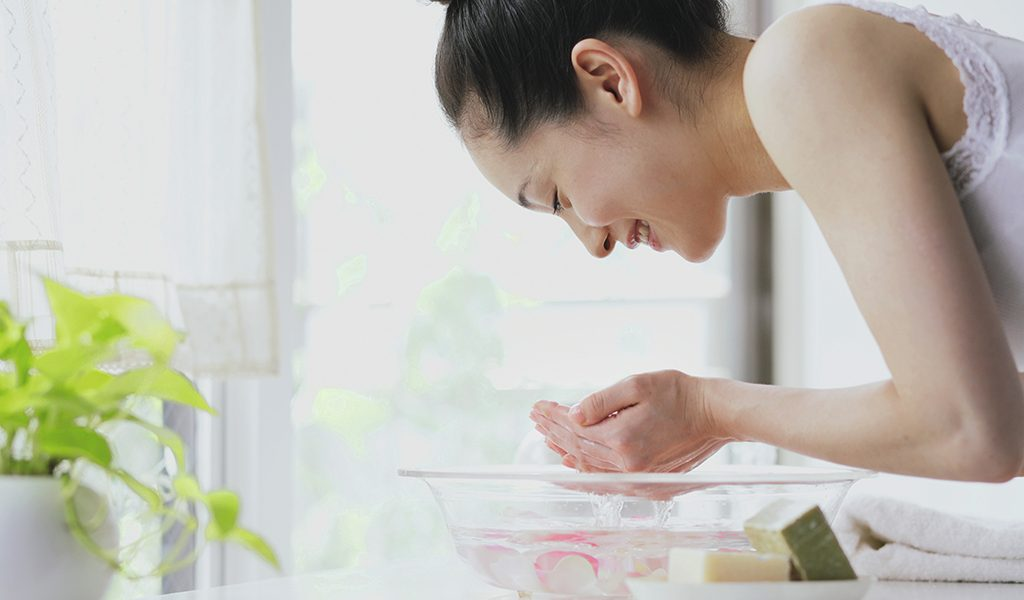 Aydınlık Bir Cilt İçin Yılbaşı Deri: 5 Kararlar Sağlıklı