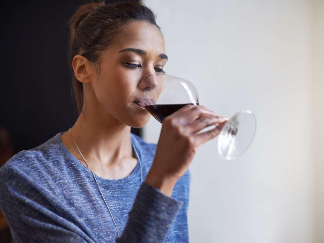 PMS vakaların %10'dan fazla içme alışkanlıkları ile bağlantılı